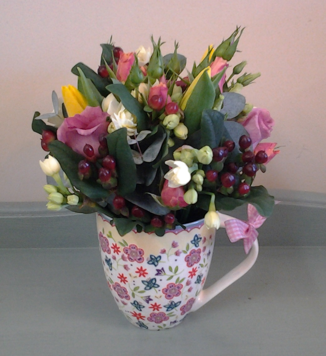 Mugs-and-Flowers